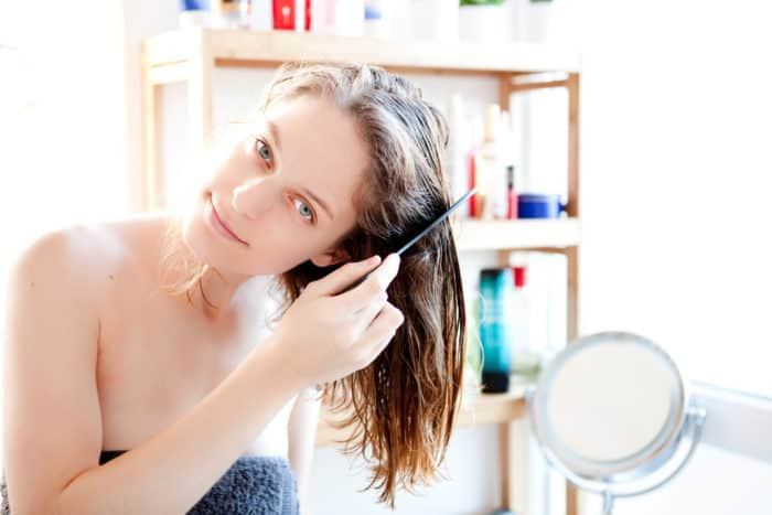 La Cura dei Capelli Secchi: come nutrire i capelli con l'Olio di Oliva