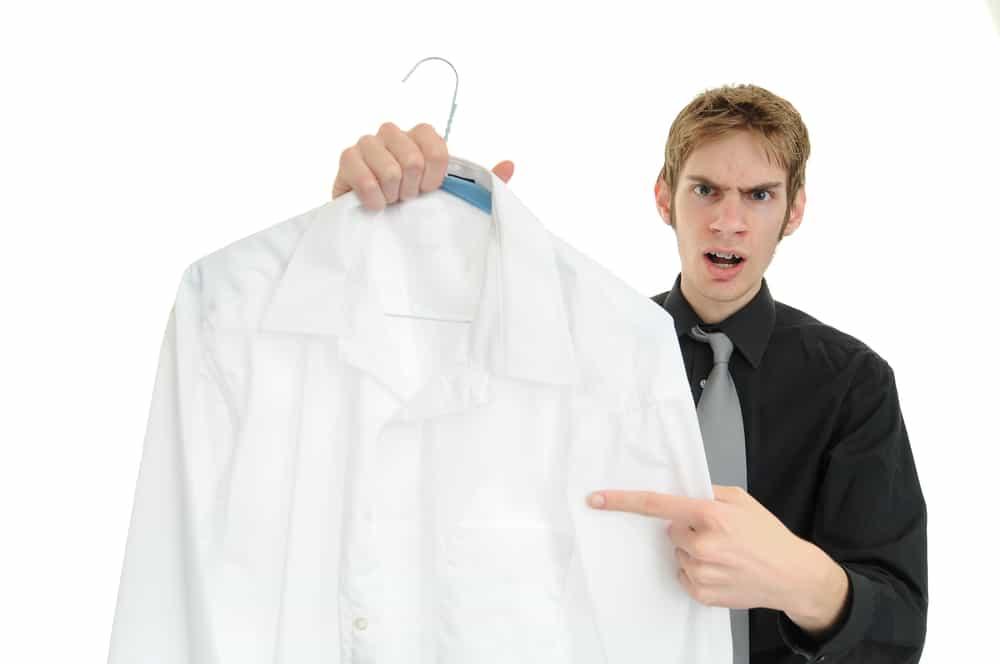 togliere le macchie d'olio dai vestiti
