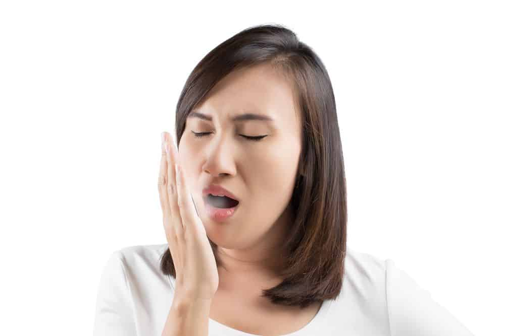 Trucchi e consigli per eliminare l' alito di cipolla dalla bocca