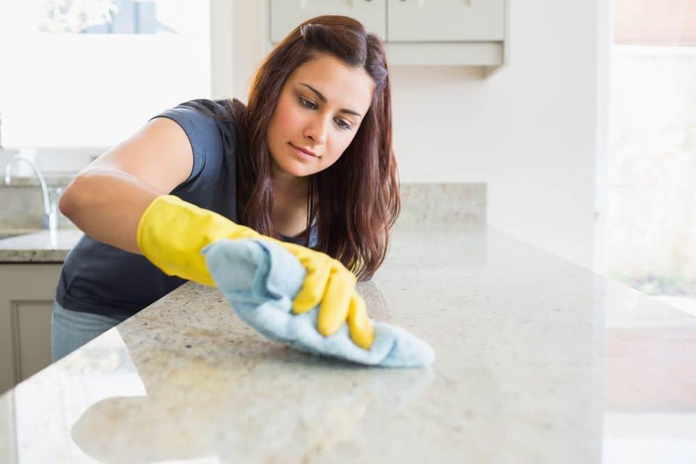 consigli per pulire casa prima delle feste