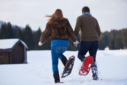 divertirsi d'inverno con le racchette da neve