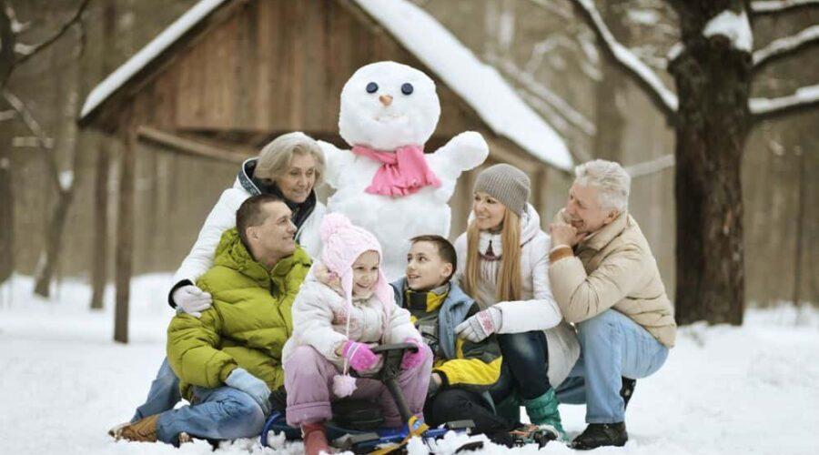 Idee e consigli per divertirsi d'inverno all'aperto con la famiglia