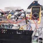 Come controllare se un condensatore è guasto
