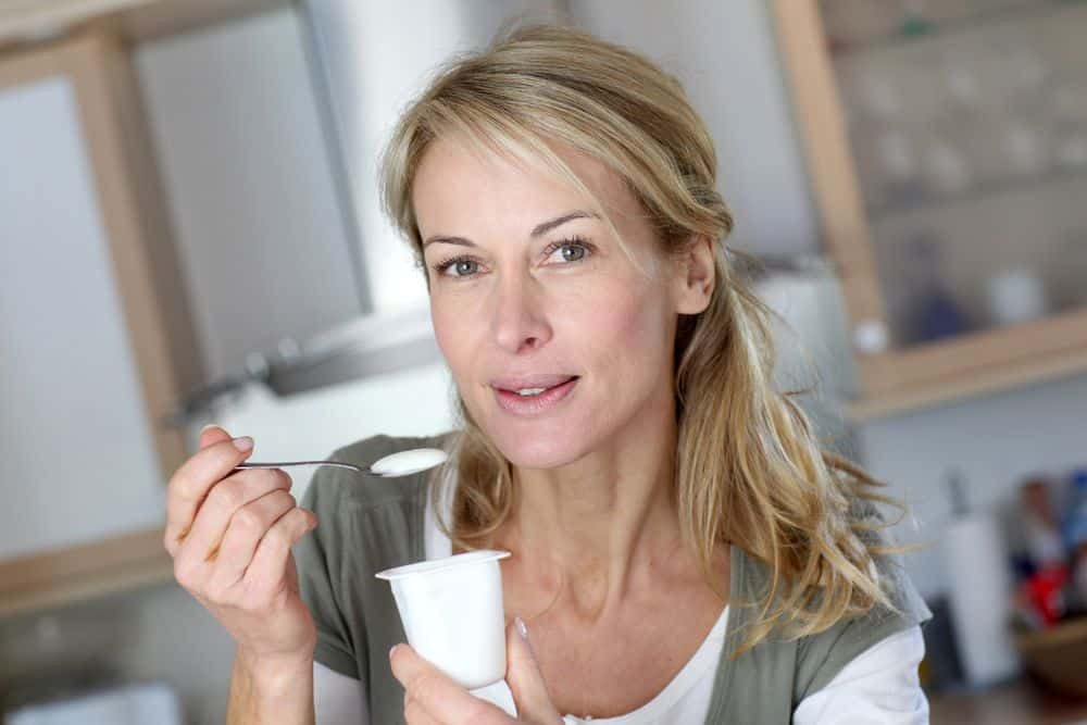 metodi naturali per andare in bagno, ripristinare la flora batterica con yogurt fermenti lattice vivi