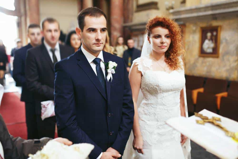 Cerimonia in chiesa per l' anniversario di matrimonio