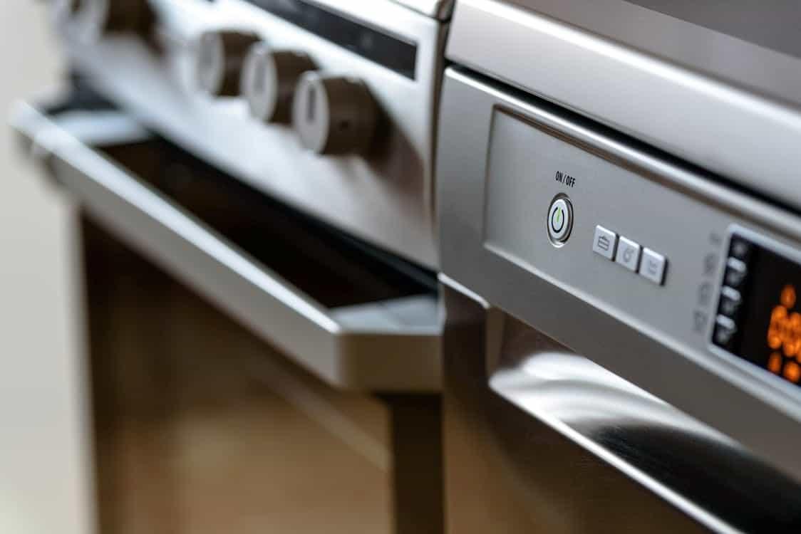 come pulire il forno conbicarbonato, aceto, sale e limone